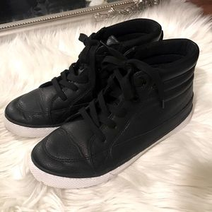 CHILDREN'S PLACE   Black High Top Sneakers